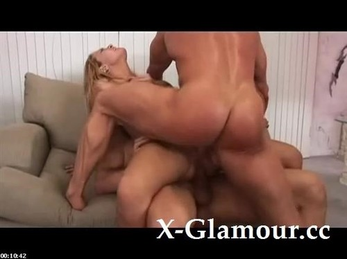 Amateurs - Big Titted Milf Gets Sandwiched [SD/480p]