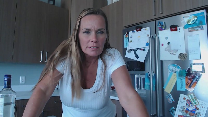 Kimi The Milf Mommy - Mommy's Had a Drop Too Much [FullHD 1080P]