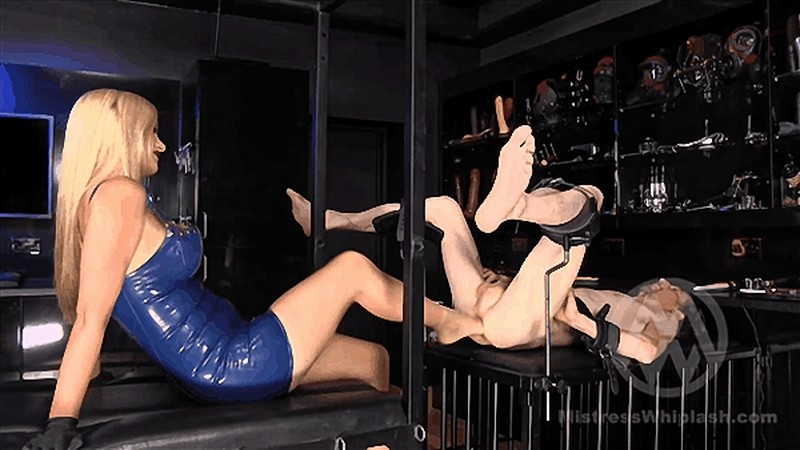 Mistress Nikki Whiplash - Filling the hole - Fisting Footing [FullHD 1080P]