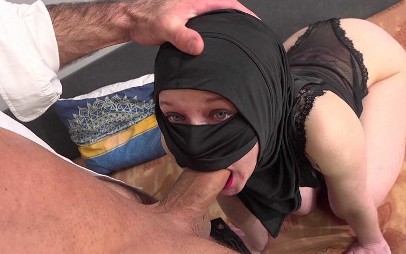 Sweetie Plum - Muslim Babe Got It Deep [UltraHD/2K 1920P]