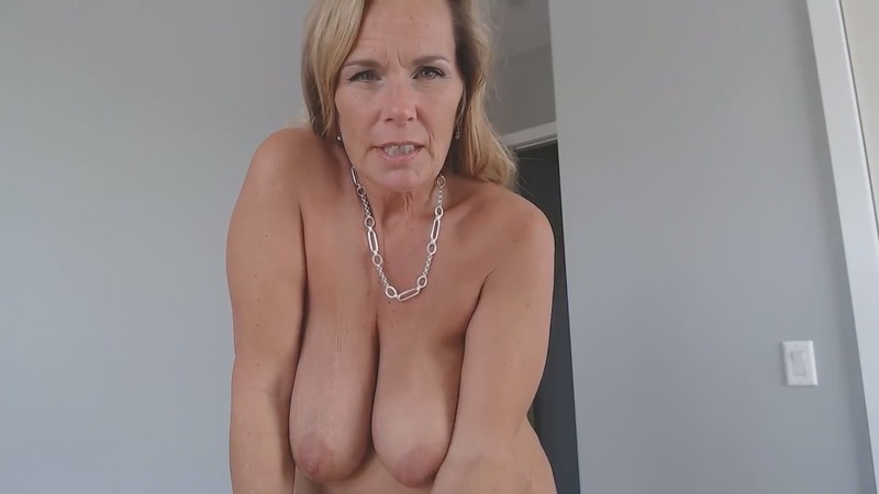 Kimi The Milf Mommy - Feel sick? Dr. Mommy is here [HD 720P]