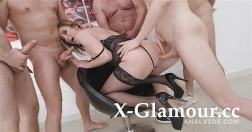 Julia North - 5On1, No Pussy, Dap, Tap, Pee Drink, Funnel And Swallow Gio1818 [HD/720p]