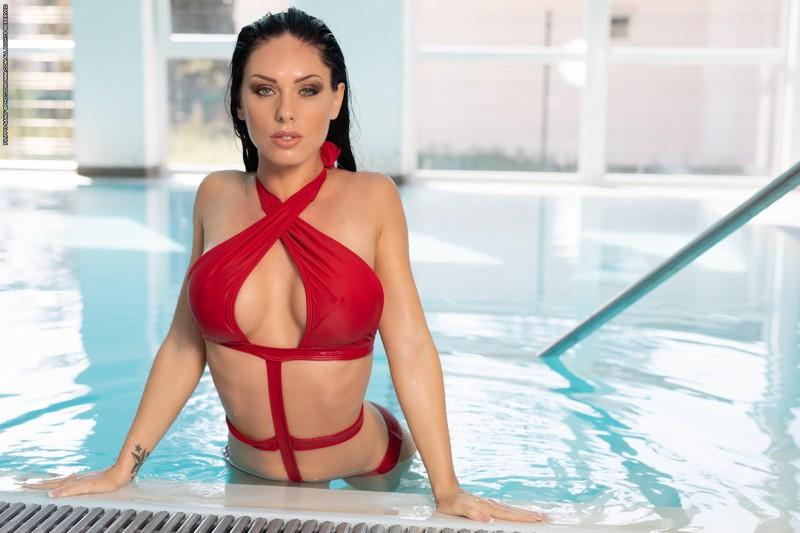 Megan - Aqua Fun (08-06-2021)