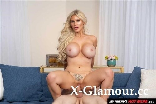 Sexy Casca Akashova Likes To Fuck And Suck On Young Cock [HD]