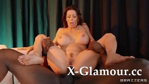 Alexis Fawx - The Gold Bar [HD/720p]