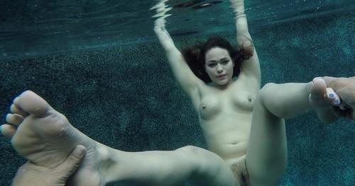 Kiki Sweat Sex Under Water
