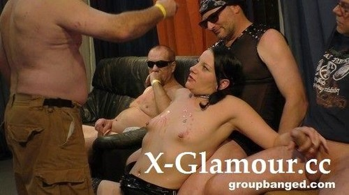 Squirty Alice - Squirting Brunette Fucks Multiple Cocks (2021/SD)