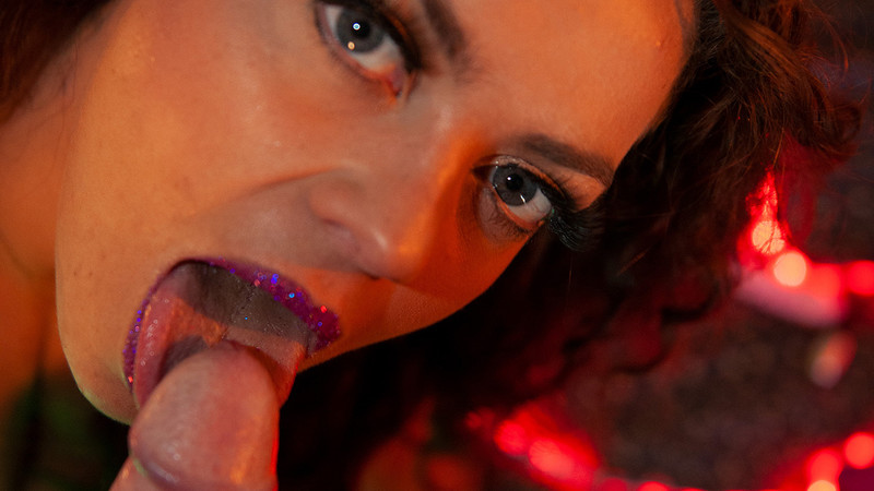 Explicite-Art - Video of French MILF playing vaginal and anal dildos and giving head