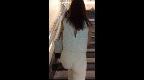 《人気作品の再編集・未収録バージョン》 No.532【最近の都会の美人妻はTバックを着用し透けさせるエロファッションで1人街を歩